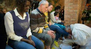 Papa Francesco e il lavaggio dei piedi